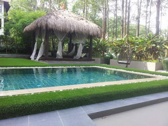 villa landscape grass