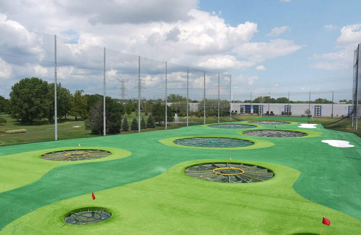 https://www.artificialgrasslandscape.com/wp-content/uploads/2017/04/CCGrass-synthetic-turf-for-golf-USA2-1240x810.jpg