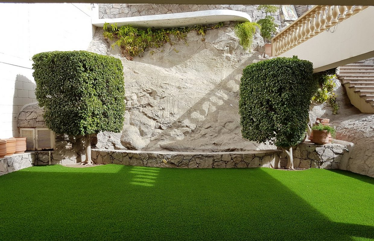 https://www.artificialgrasslandscape.com/wp-content/uploads/2017/08/CCGrass-artificial-landscape-lawn-Mexico3-1240x800.jpg
