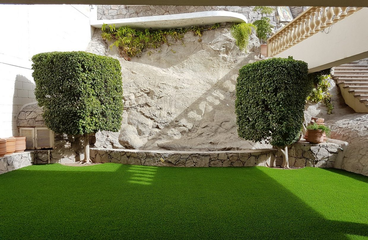 https://www.artificialgrasslandscape.com/wp-content/uploads/2017/08/CCGrass-artificial-landscape-lawn-Mexico3-1240x810.jpg